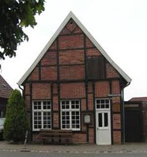 Ansicht des Heimathauses Herbern von vorne.