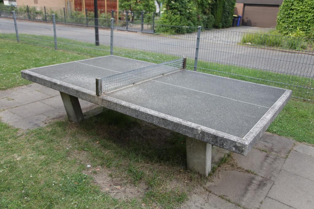 Ansicht Tischtennisplatte Spielplatz Kreuzkamp