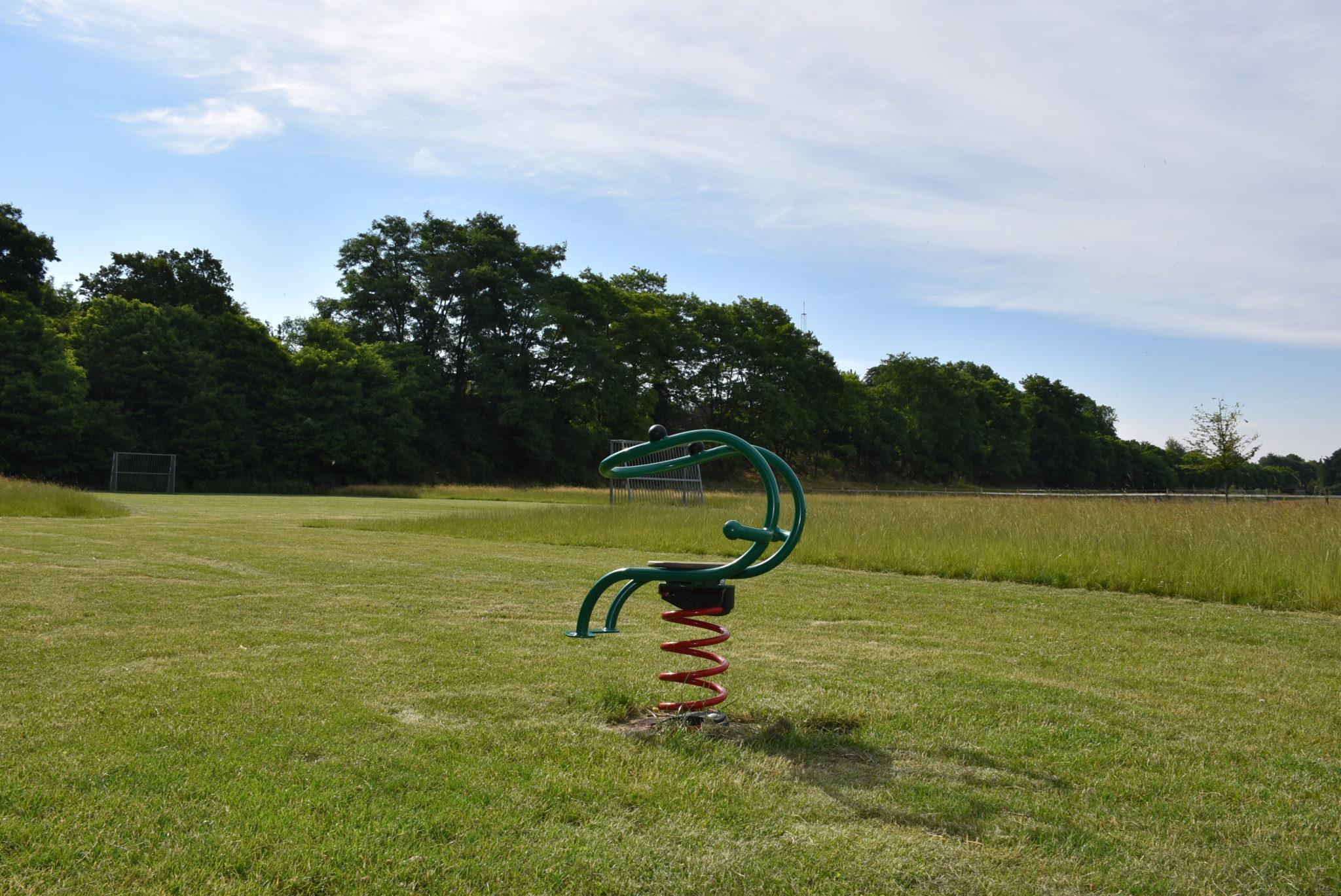 Übersicht Wippgerät Spielplatz Deipenwiese