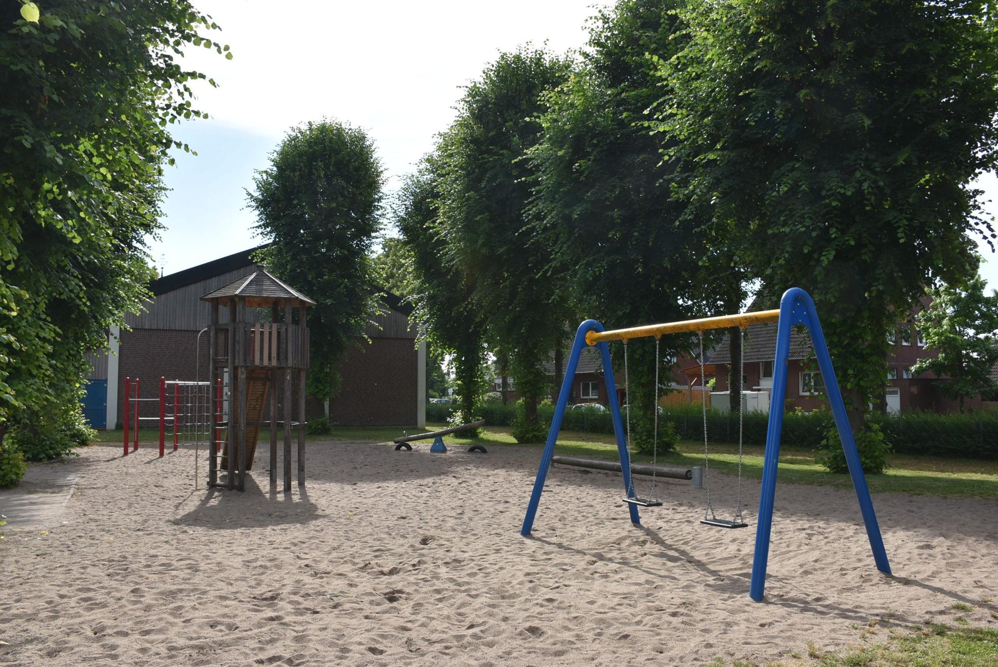 Ansicht Spielplatz Grundschule