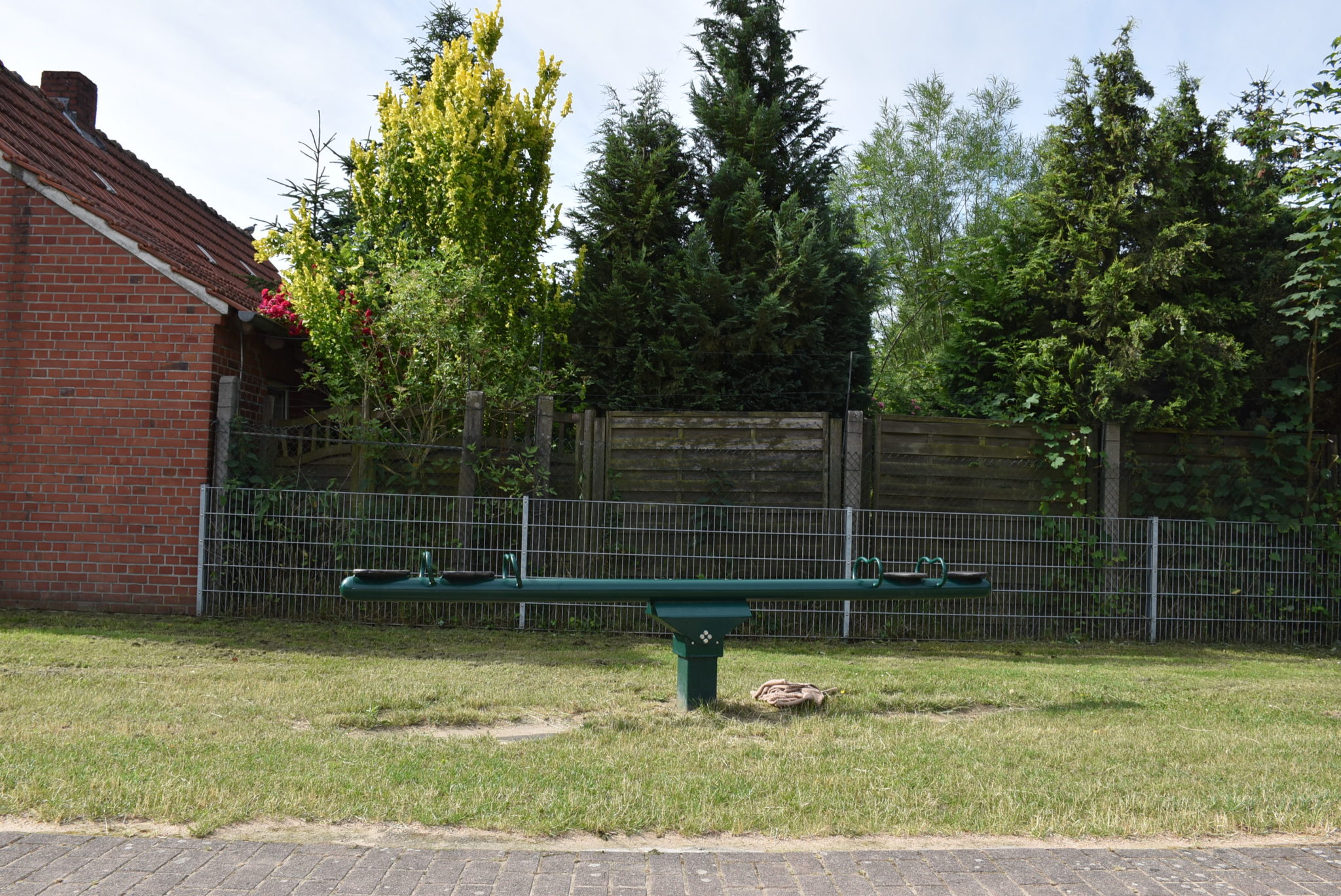 Ansicht Wippe Spielplatz Von-Büren-Straße