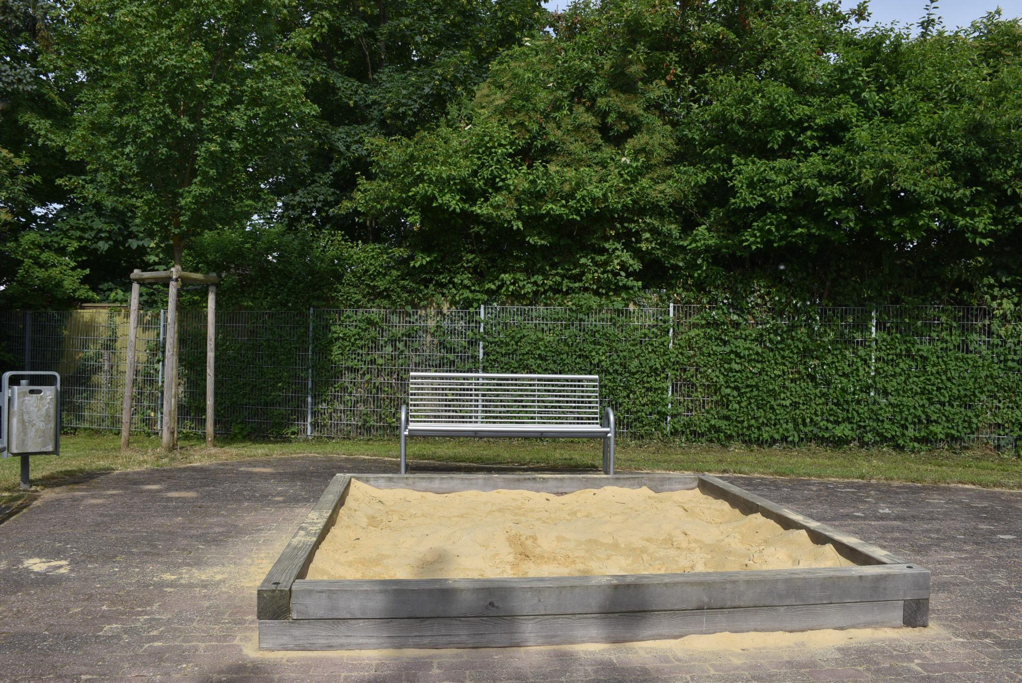 Ansicht Sandkasten Spielplatz Von-Büren-Straße