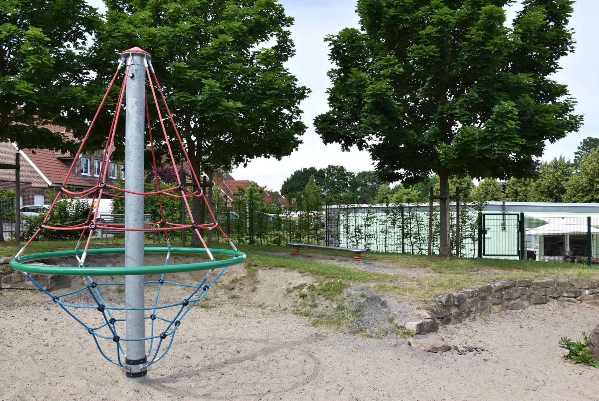 Übersicht Kletternetz Spielplatz Hombrede II