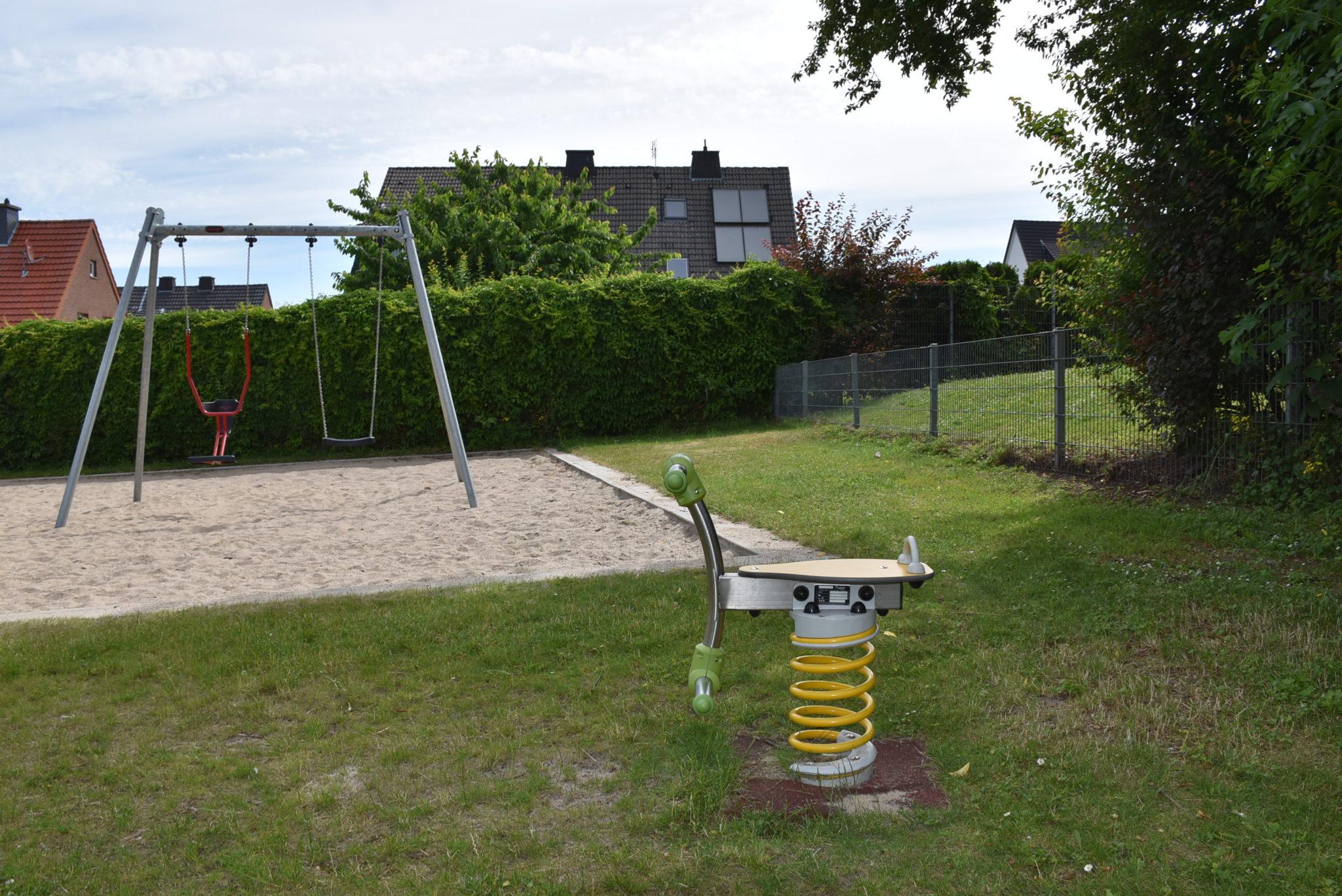 Übersicht Wippgerät Spielplatz Prozessionsweg