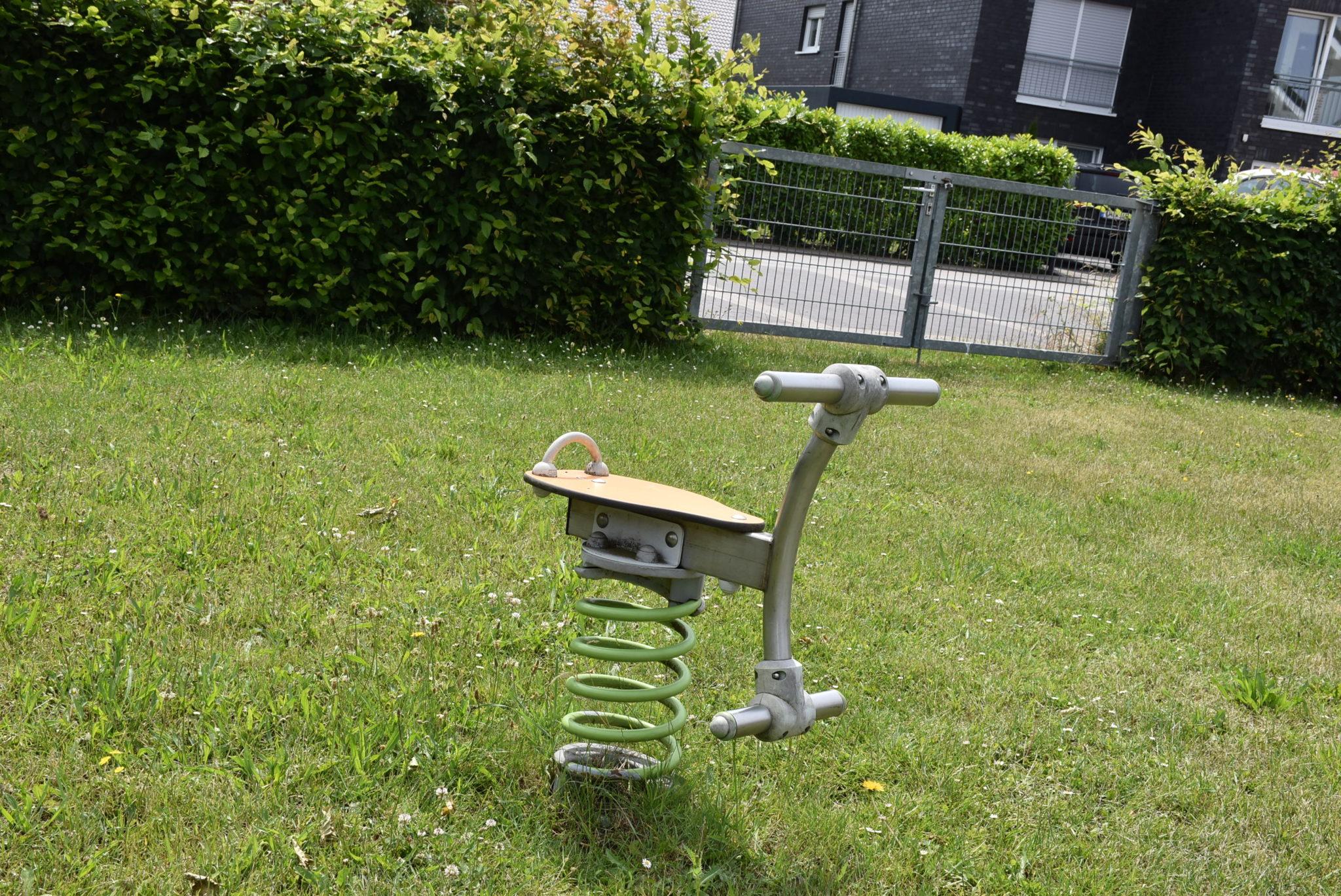 Übersicht Wippgerät Spielplatz Mühlenberg