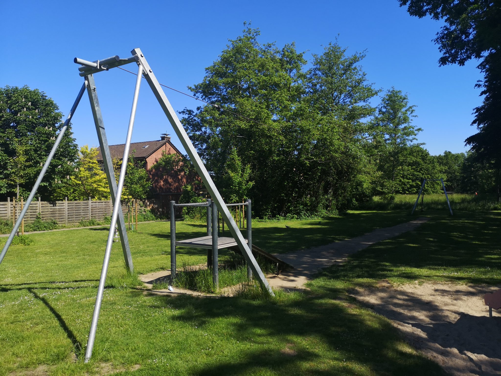 Ansicht Seilbahn Spielplatz Mertens Wäldchen