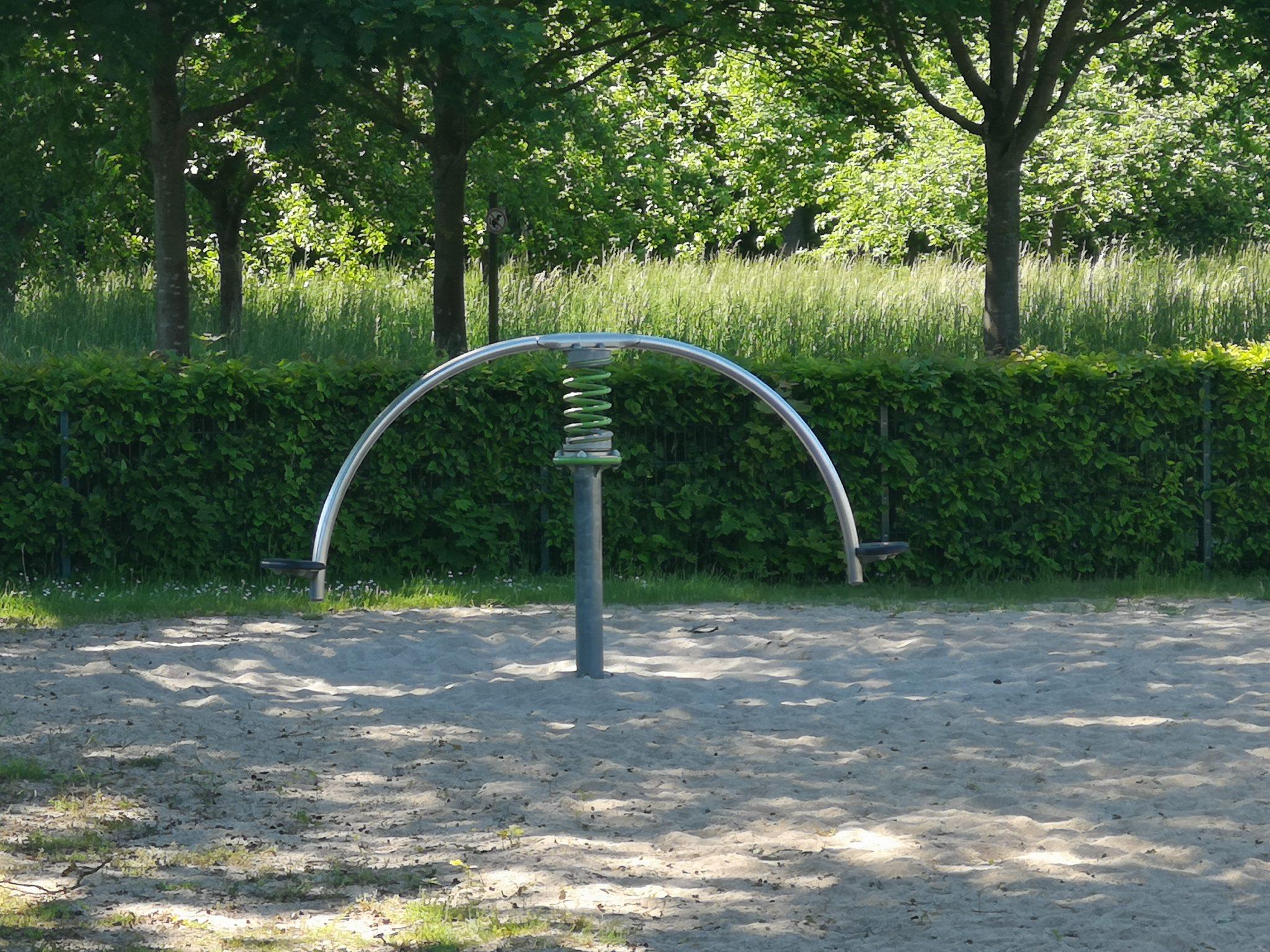 Ansicht Wippe Spielplatz Portenkamp